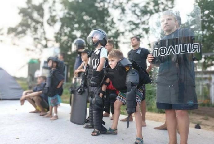 «Вартові безпеки»: на Вінниччині підлітків запрошують у табір з патрульними поліцейськими