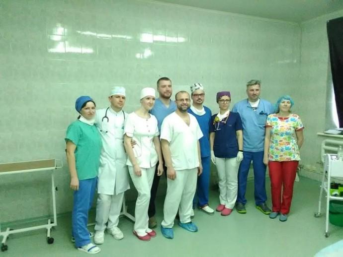 У Вінницькій дитячій лікарні вперше провели операцію з корекції деформації грудної клітини (Фото)