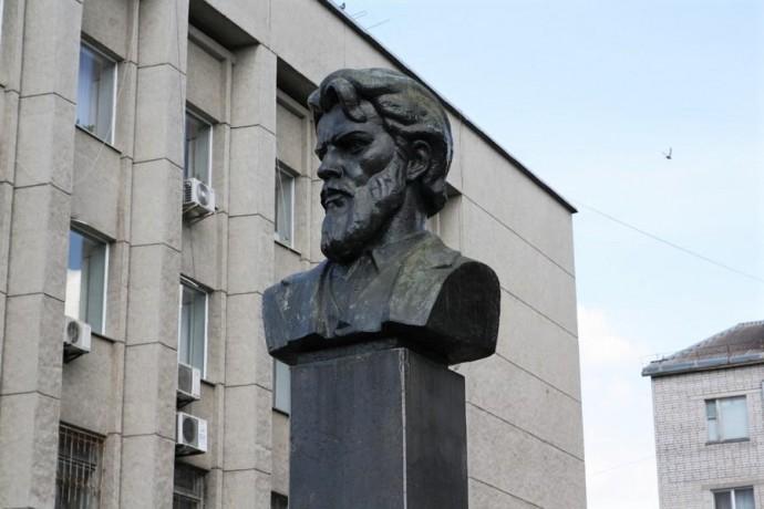 У Вінниці демонтують пам'ятник Петру Запорожцю