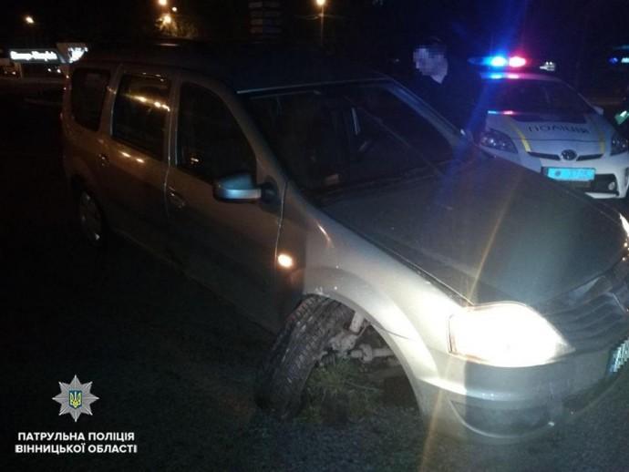 У Вінниці п'яний підліток на авто втікав від поліції