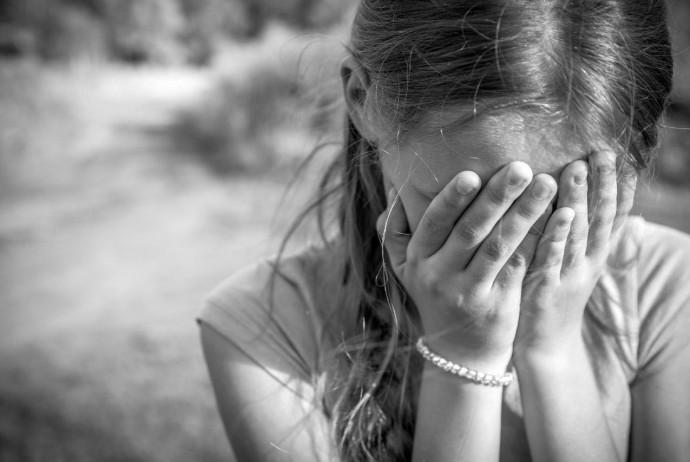 На Вінниччині батька підозрюють у зґвалтуванні неповнолітньої доньки