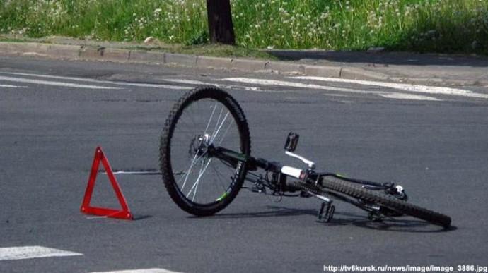 У Вінницькій області юнак на мотоциклі зіткнувся з велосипедистом