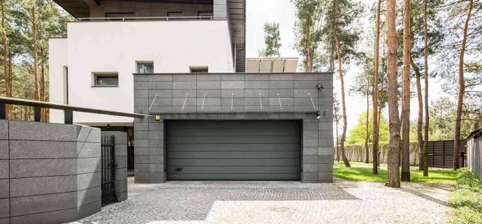 Как открыть гаражные ворота с автоматикой