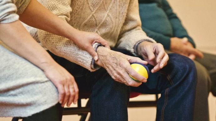 Догляд за перстарілими. Як потурбуватися про літнього родича