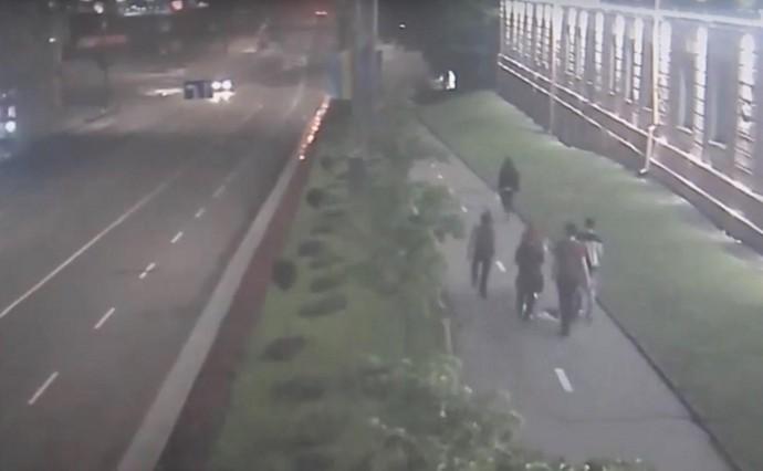 У Вінниці затримали вандала, який розбив вікно школи (Відео)