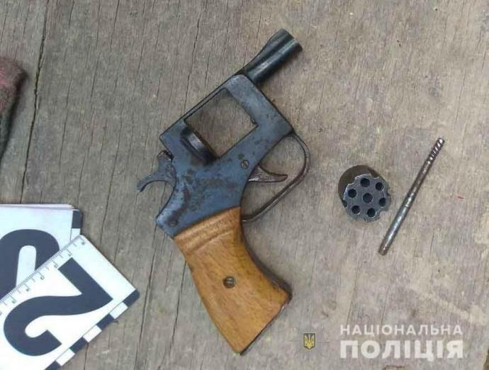 На Вінниччині у пенсіонера вилучили револьвер