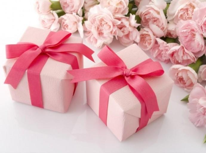 Подарки для женщин: что преподносить?