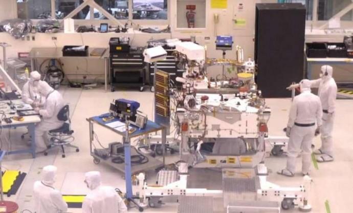NASA покажет онлайн, как собирают марсоход