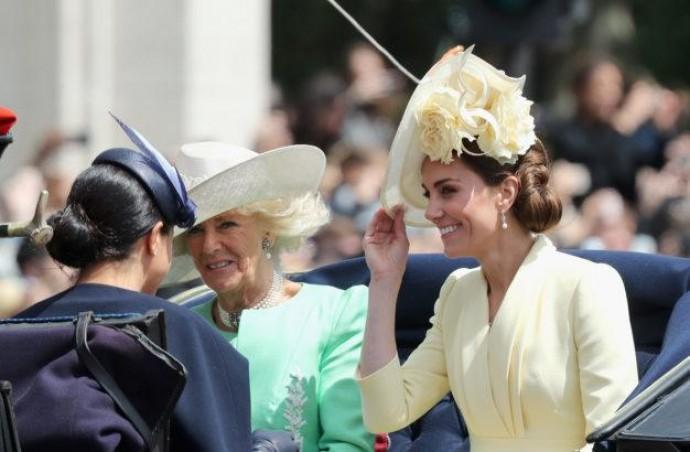 Сама нежность: Кейт Миддлтон восхитила поклонников на параде в Лондоне