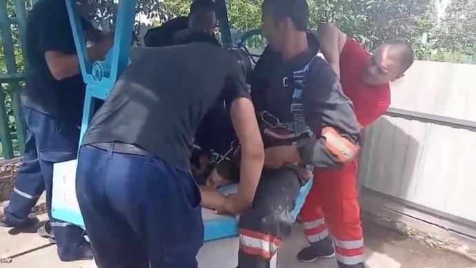У Бершаді врятували чоловіка, який впав у криницю (Відео)