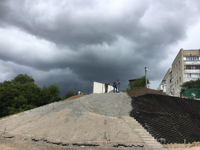 У Вінниці будують нову зону відпочинку по вулиці Волошковій (Фото)