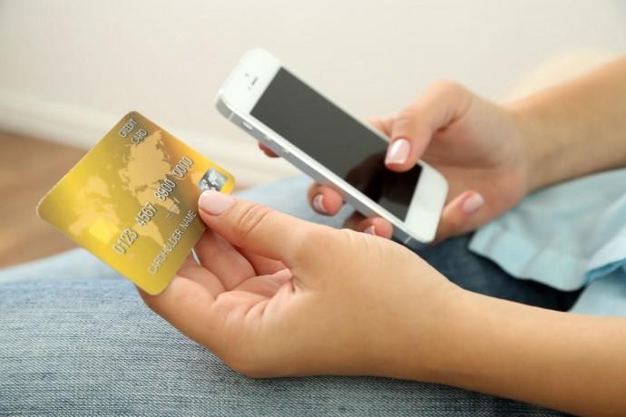 Как перевести деньги с телефона на банковскую карту: краткий ликбез | Журнал