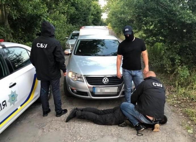 На Вінниччині за хабарництво затримали двох патрульних (Фото)