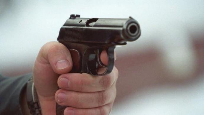 Двох людей поранили на автозаправці під час стрілянини у Зарванцях