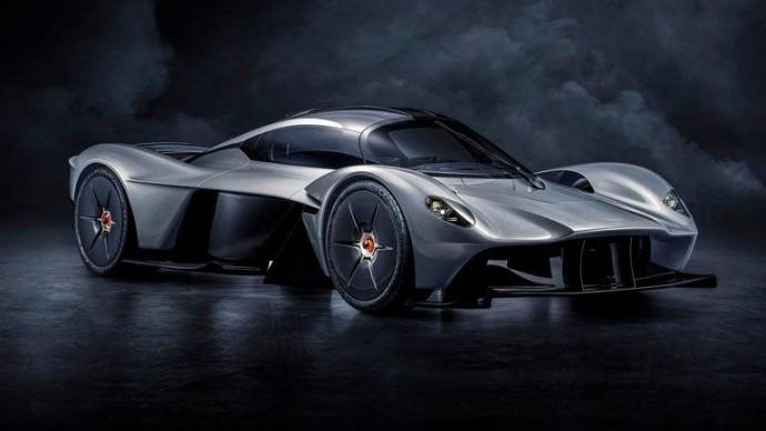 Почему названия моделей Aston Martin начинаются с буквы «V»