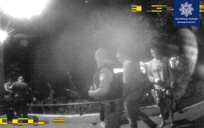 У Вінниці троє зловмисників побили чоловіка (Фото)