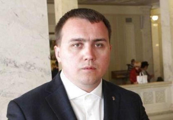 У Вінниці розшукують озброєного зловмисника, який поранив людей на автозаправці