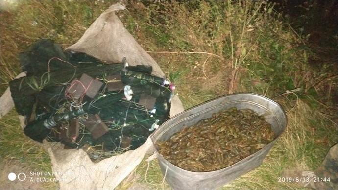 На Вінниччині виявили браконьєра, який виловив понад 400 раків(Фото)