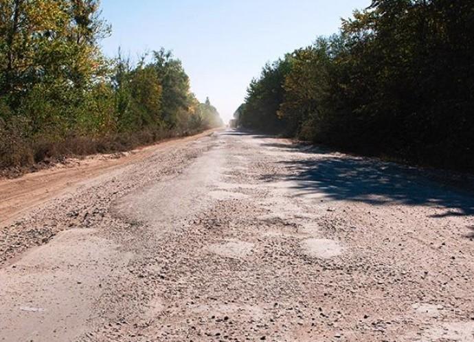 За Гайсином приступили до ремонти зруйнованих ділянок траси М 12 (Фото)