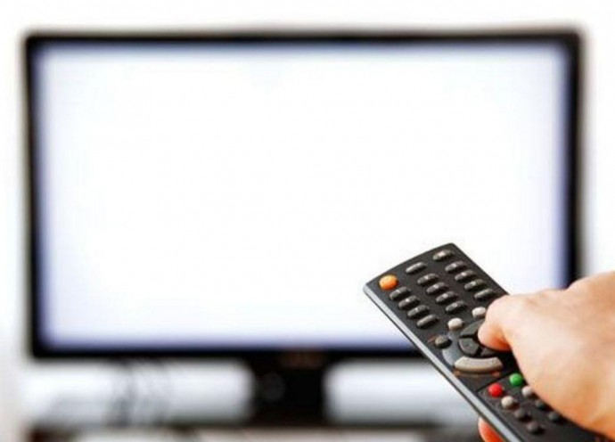 Телевізор за кордоном для українців - що, де, та як?