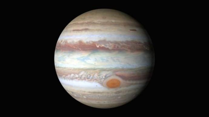 Фотографу удалось снять падение метеорита на Юпитер