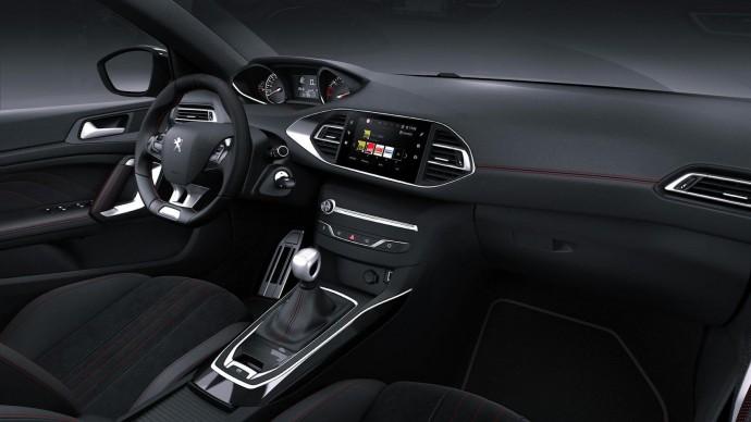 PEUGEOT 308 — стиль и практичность в одном кузове