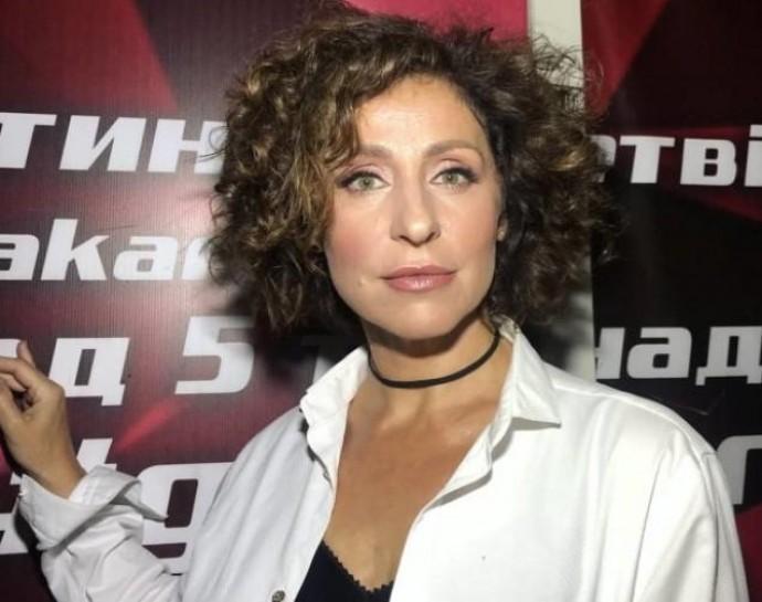 Экс-ведущая канала СТБ Надежда Матвеева поразила новым преображением: похудела и полностью сменила гардероб