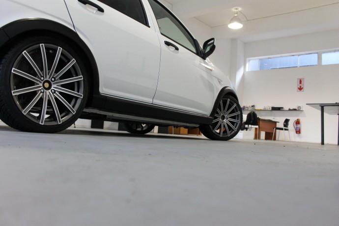 Автокомпанія з Південної Африки випустила перше авто за $13,5 тисячі