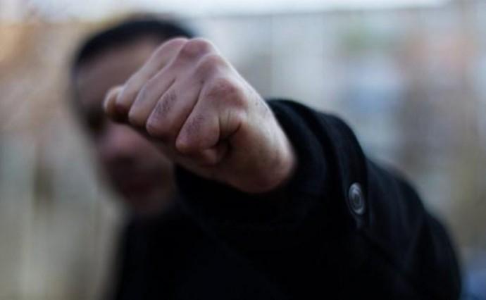 У Вінниці біля ломбарду зловмисник пограбував чоловіка