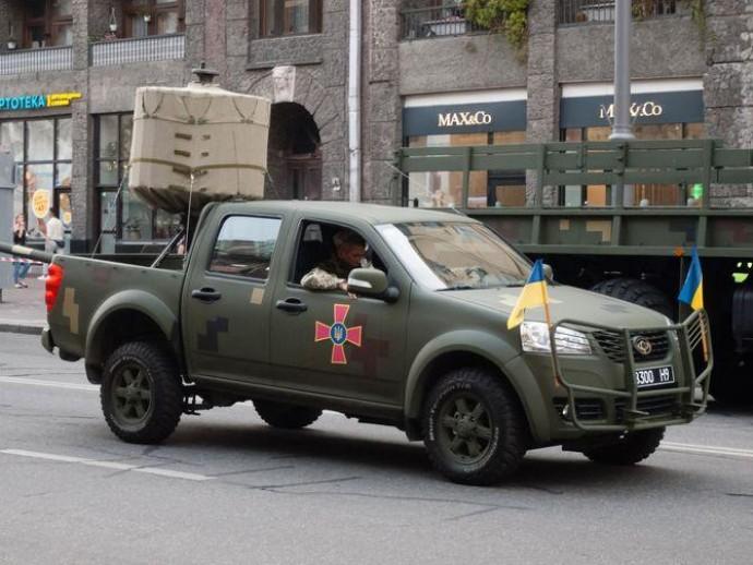 Украинские вооруженные силы получат новые пикапы