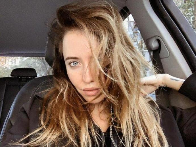 Надя Дорофеева влюбила в себя еще сильнее снимком без макияжа