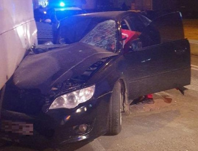 На Привокзальній п'яний водій врізався у причіп (Фото)