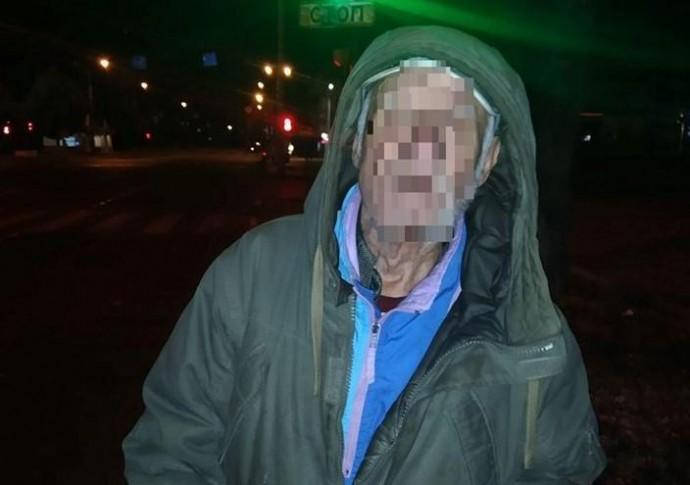 У Вінниці поліцейські знайшли 84-річного чоловіка, якого розшукували рідні