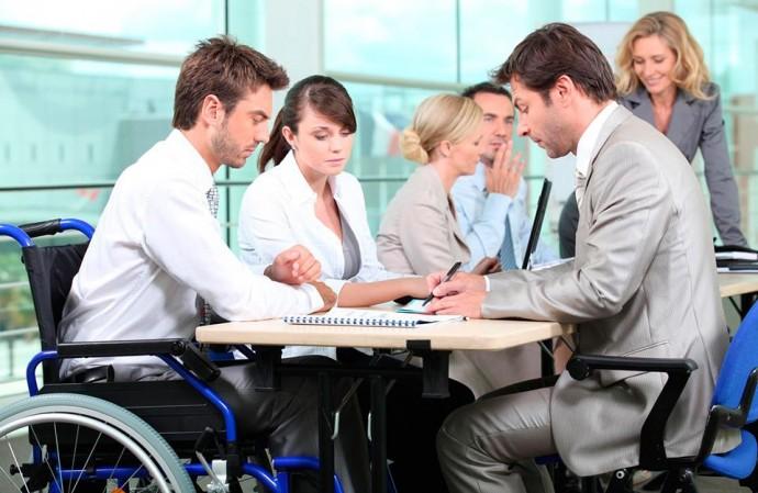 Работа для людей с инвалидностью: эксперты назвали реальное число трудоустроенных в Украине