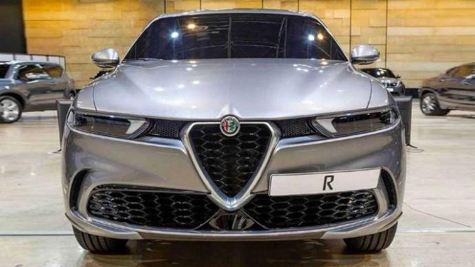Он восхитителен: живые фото кроссовера Alfa Romeo Tonale