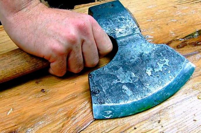 На Вінниччині охоронець вбив сокирою свого колегу