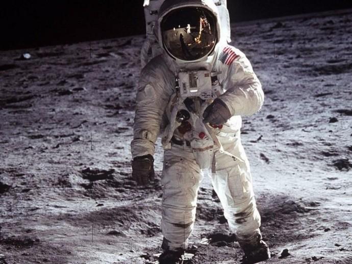 В НАСА предоставили доказательства пребывания американцев на Луне (Фото)