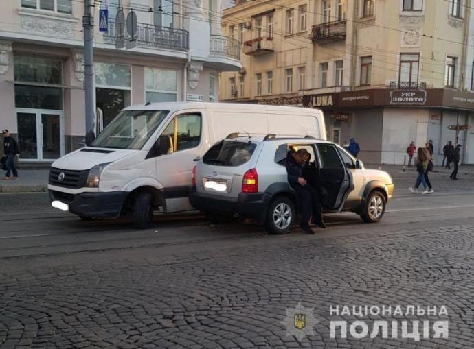В центрі Вінниці водій Volkswagen збив жінку на пішохідному переході
