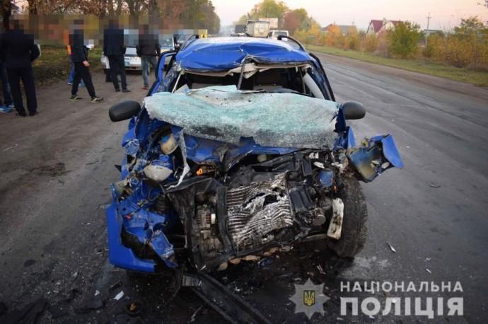 У Гайсині зіткнулися вантажівка та Skoda. Загинув 24-річний хлопець (Фото)