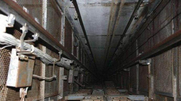 У Вінниці чоловік впав у ліфтову шахту