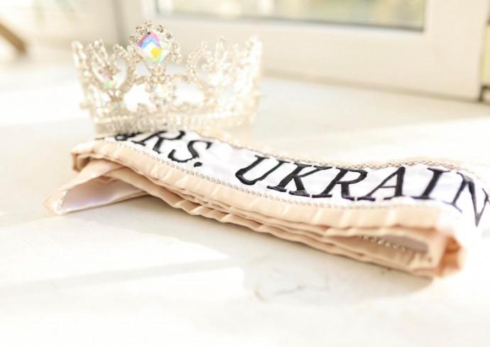 Доцентка ВНТУ представлятиме Україну на конкурсі краси Mrs Globe у Китаї (Фото+Відео)