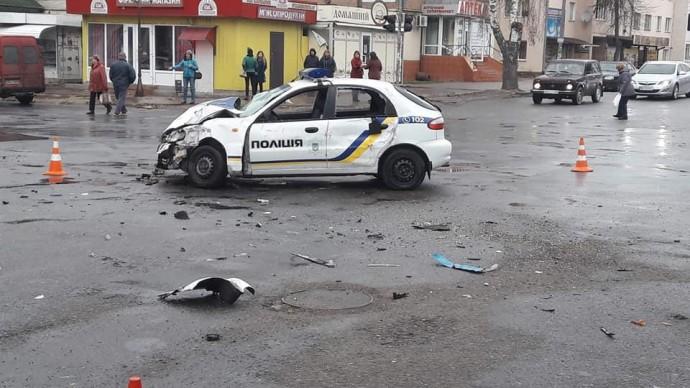 На Вінниччині автомобіль поліції охорони потрапив у ДТП (Фото)