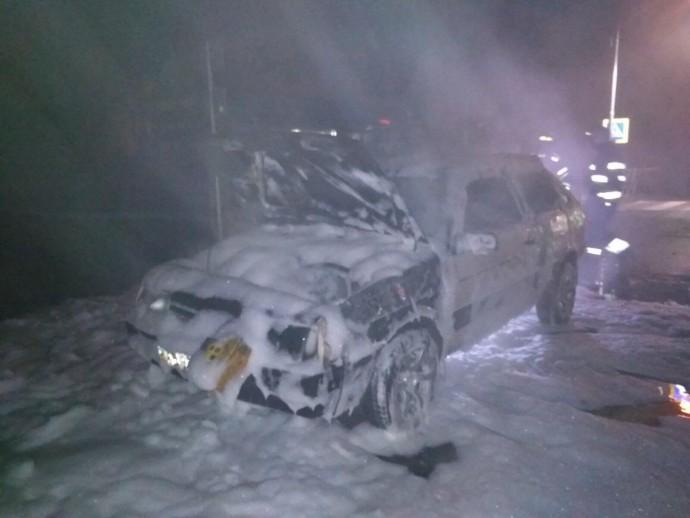 У Літині посеред дороги загорівся автомобіль