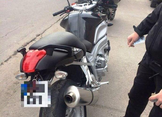У Вінниці виявили мотоциклBMW, який викрали у Італії