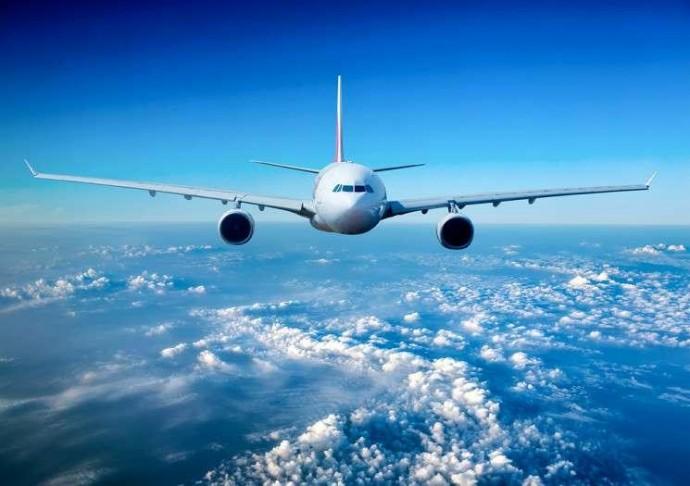 Почему самолет летит на высоте 10 тысяч километров