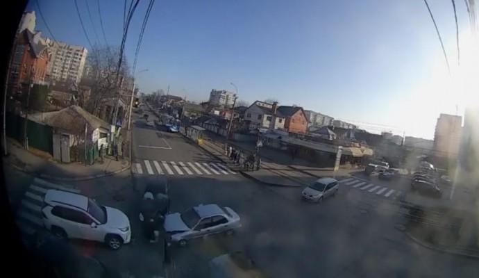 На перехресті Келецької-Шевченка зіткнулися три автомобілі (Відео)