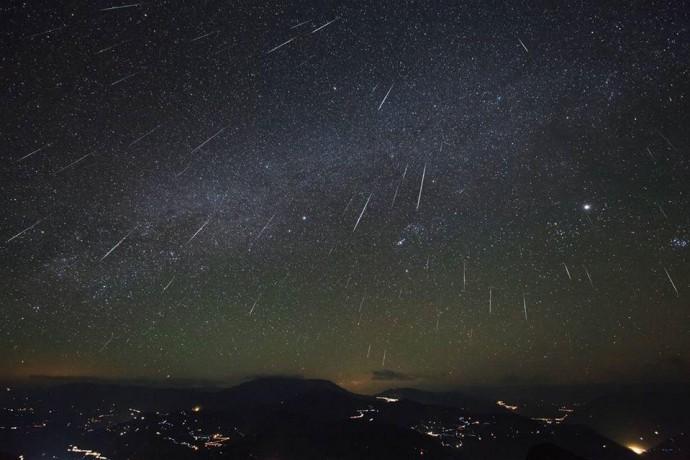 У грудні Земля пройде через потік Гемініди. Метеоритний дощ буде видно над Вінницею (Фото)
