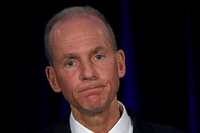 Главу корпорації Boeing звільнили без вихідної допомоги