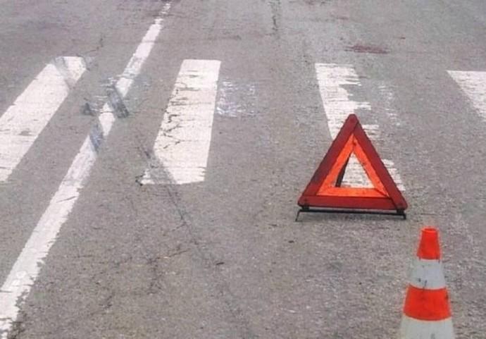 У Бершадському районі водій мопеду загинув після зіткнення за Renault Kangoo