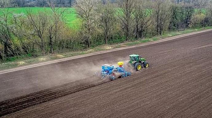 На Вінниччині судитимуть фермера, що розорав трипільське поселення та поховання бронзової доби
